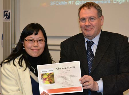 Hui-Chen Wang receives the Chemical Science poster prize