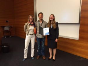 Presentation of the Chemistry World poster prize at ISACS 16